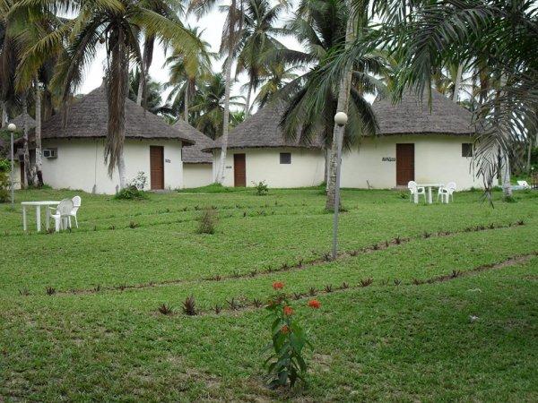 Ile Boulay - Azito Palace